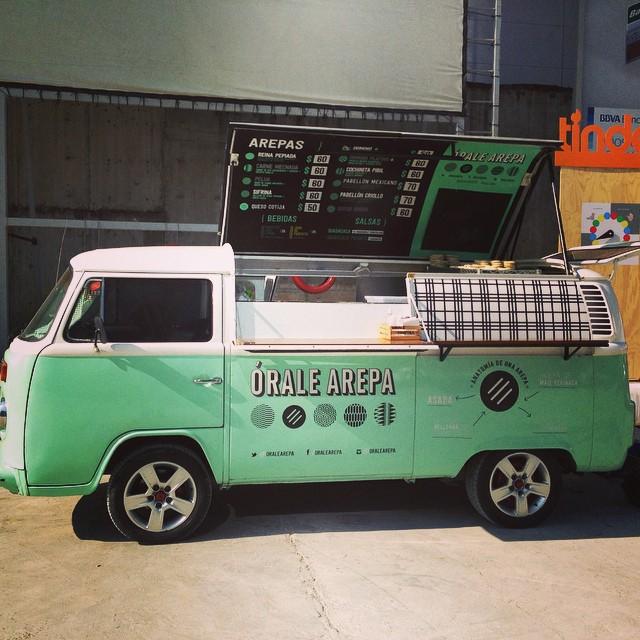 Órale Arepa y su VW combi | Órale Arepa