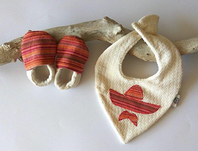 Babero y Zapatitos de Sombrero - MXN $350
