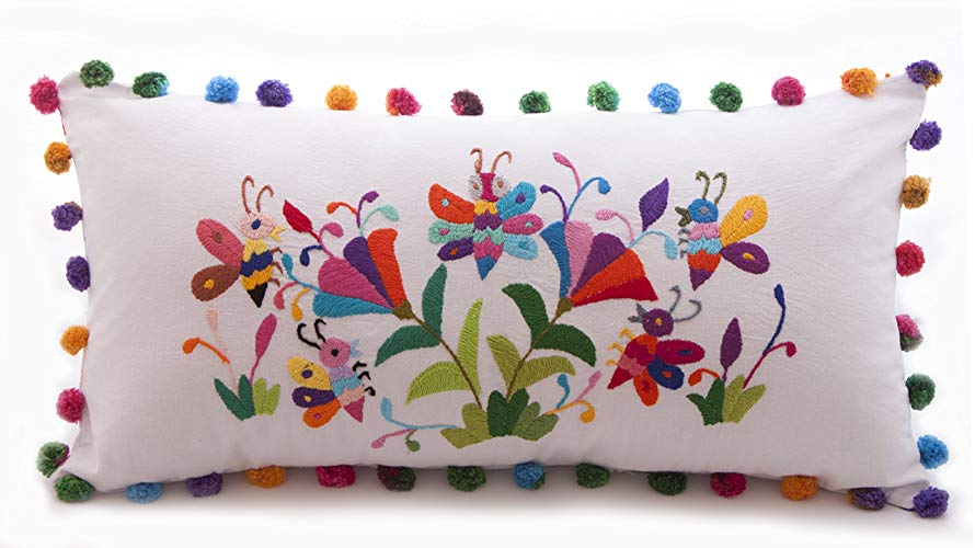 Cojín Rectangular Bordado Tenango Mariposas Multicolor - MXN $650.00
