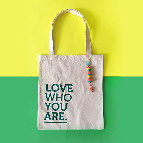 Totebag Love who you are - MXN $250.00