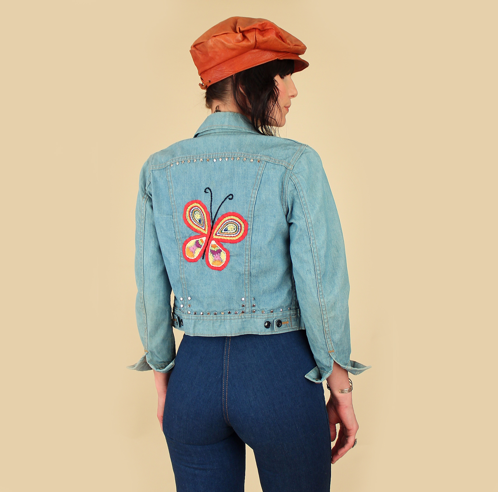 ViNtAgE Ms LEE 1970s Embroidered + Studded Jean Jacket Butterfly Shrooms & Florals </p>                     </div>   <!--bof Product URL --> <!--eof Product URL --> <!--bof Quantity Discounts table --> <!--eof Quantity Discounts table --> </div>                        </dd> <dt class=