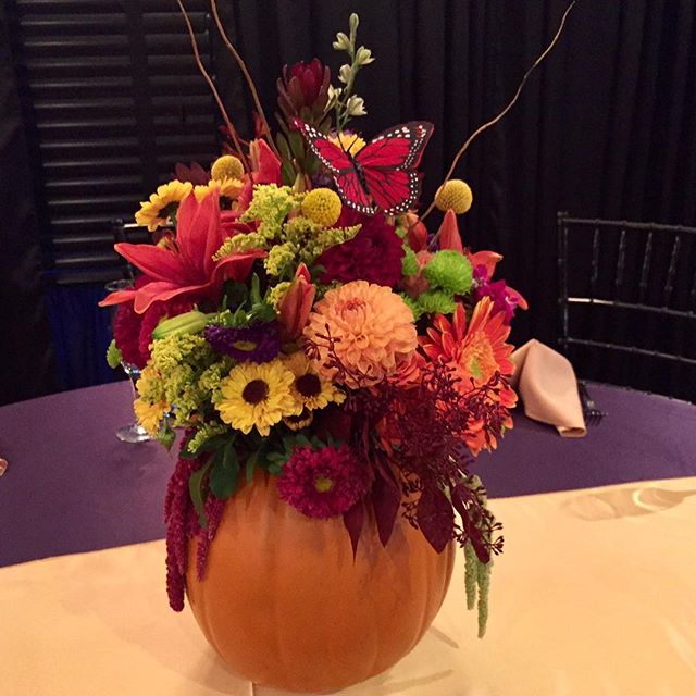 Happy Halloween! Stay safe out there all you little goblins. 🎃👻 Festive pumpkin centerpiece