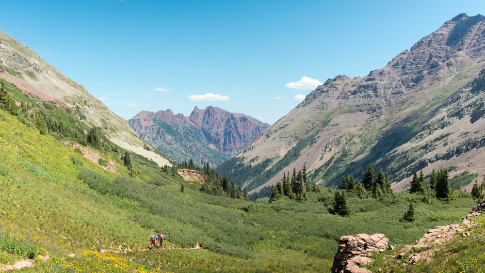 Four Pass Loop Trail looking NE toward Maroon Lake
