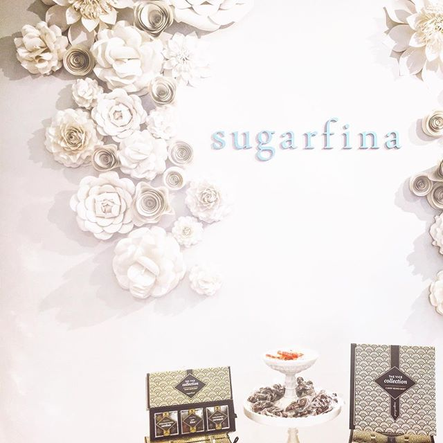 Digging up my older photos to look for #inspirations. This is definitely one of my favorite findings this month!!! Lovely #decor, lovely #branding, lovely product 😍  #sugarfina#candy#dreamy#interior#design#flowers#art#paper#wall