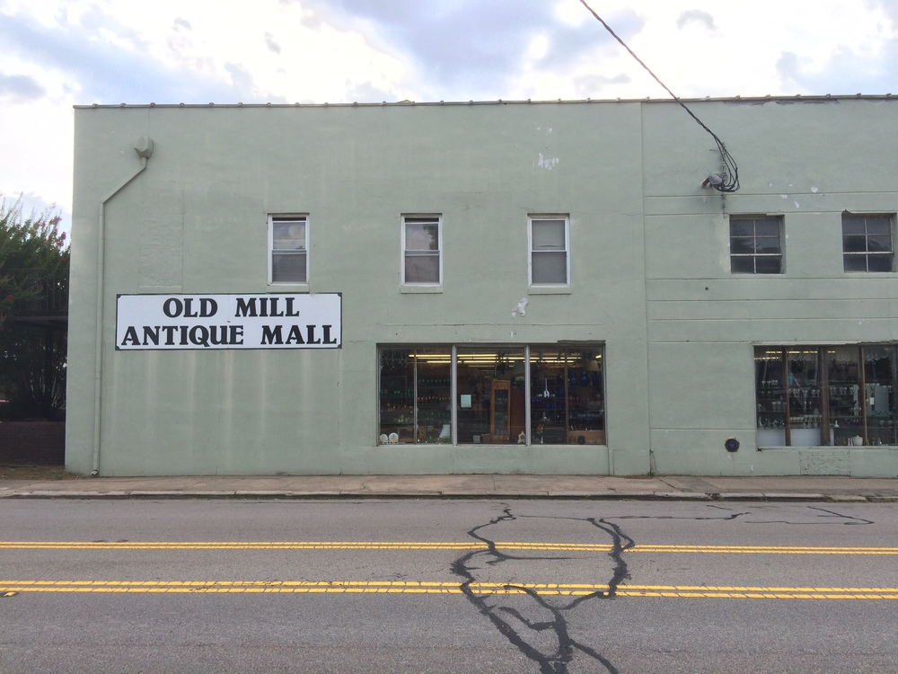 AshevilleFolk.com | Columbia, SC City Guide by Kevin & Laurel Archie. Old Mill Antique Mall. This two-story mecca in West Columbia is especially great for exploring and finding hidden gems.