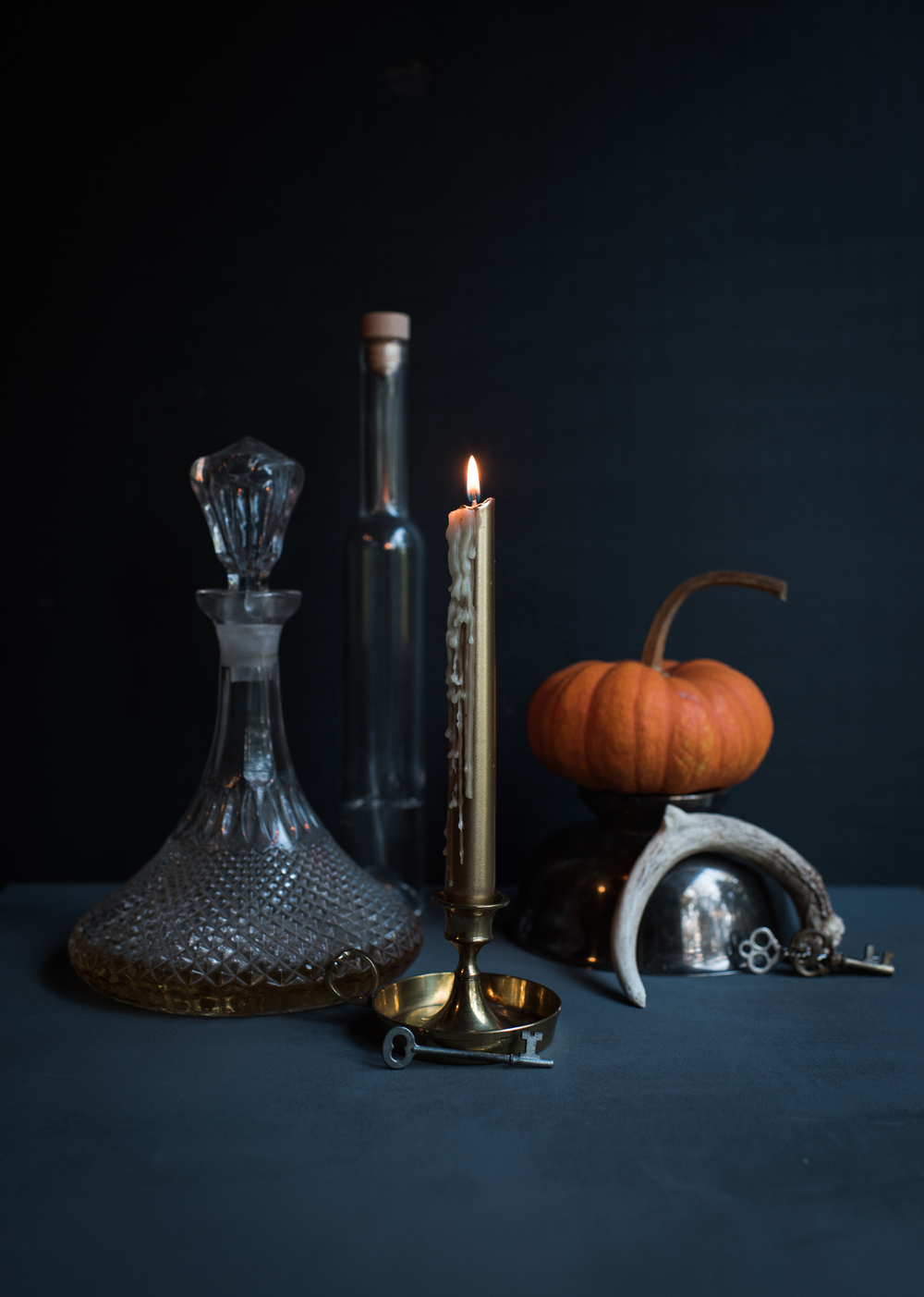 Asheville Folk: A Grown-up Halloween by Chelsea Lane. Not into decorating your whole house? Have a roommate who ' d prefer you didn ' t as well? Consider a  small vignette of festive fun. Gives you chance to play wit h all of your tchotchkes. Yes, I did some  Googling in order to spell tchotchke.