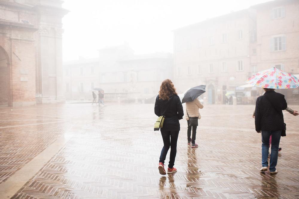 Urbino i dimman...