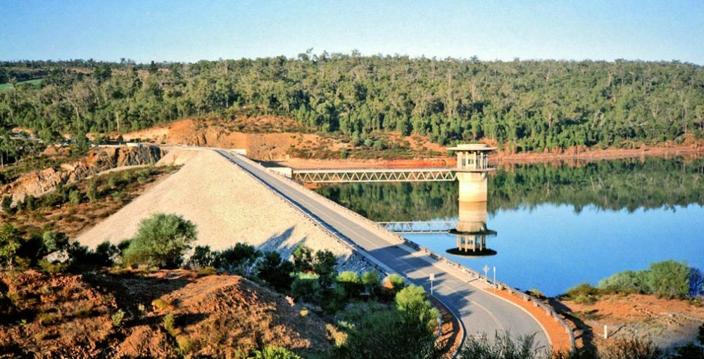 The reservoir behind the rock wall dam at Wungong, Western Australia 1984. Image: Jeff Crisdale