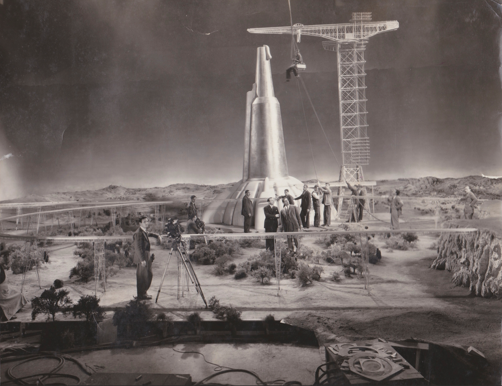 Monatgu Marks (centre) on Vincent Korda's set of H.G. Wells' and Alexander Korda's 'The Shape of Things To Come'