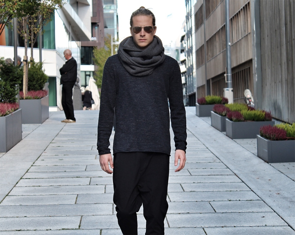 Theo Blix mens fashion blog, best fashion blog, mens long hairstyles, mens hairstyles, mens medium length hairstyles, mens fashion trends, mens fashion guides, mens fashion basics, mens shoe color combinations, sneakers, leather sneakers, Filippa K cashmere scarf, scandinavian, norway, viking, male models