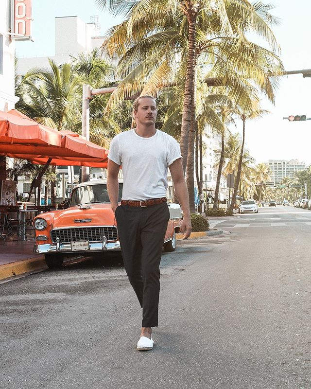 Smart Casual - Tropical Edition - Now live on the blog | Link in bio | In Collaboration with @gant1949 #neverstoplearning #gant