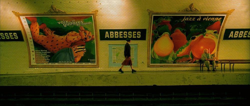Amelie-21-screencapture-abbesses-metro-interior-sign.jpg