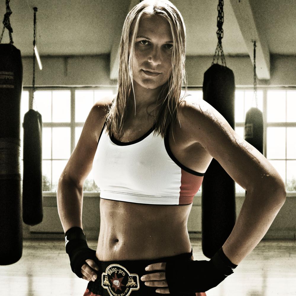 Åsa Sandell   Journalist, författare, professionell boxare