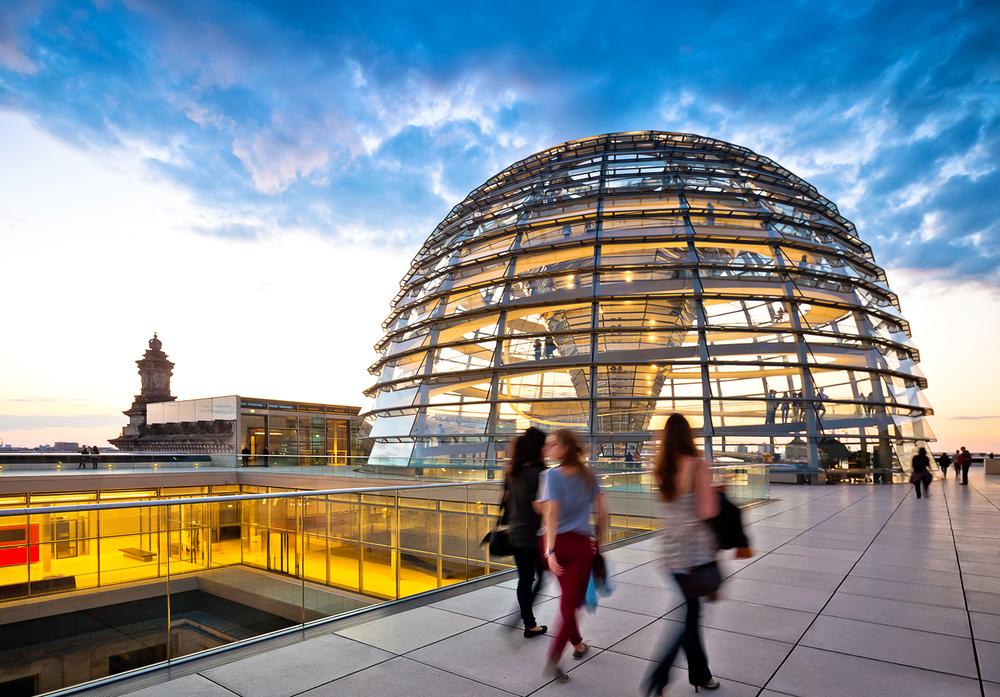 Reichstag Berlin bei Sonnenuntergang