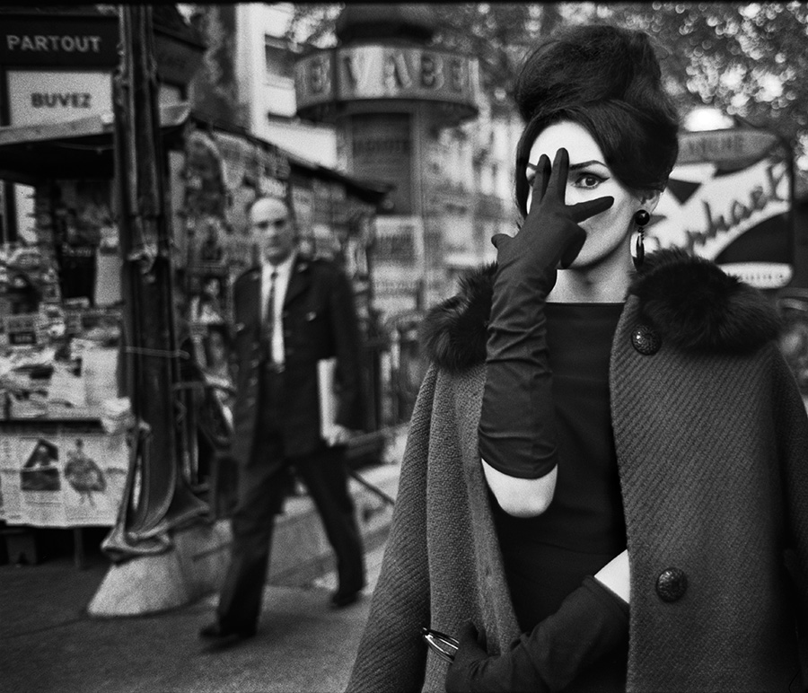 Christer Strömholm. Nana, Place Blanche, Paris, 1961