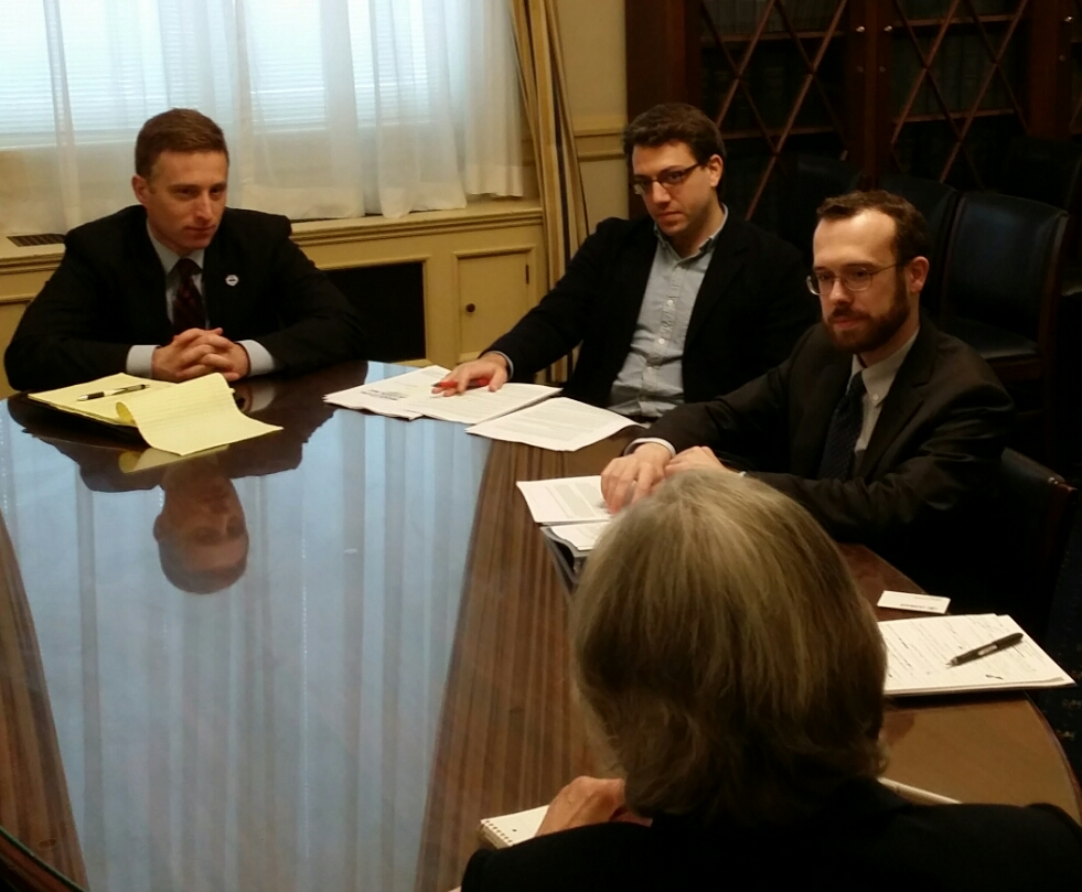 VES Legal director sean marvin (l) & yale law school veterans legal services clinic students tell house veterans affairs committee about their findings of predatory college treatment of veterans  (may 2017)