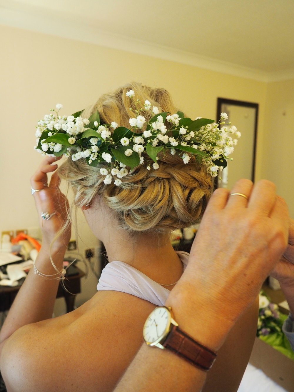 Sue Davies Flowers - Wedding Hair Flowers