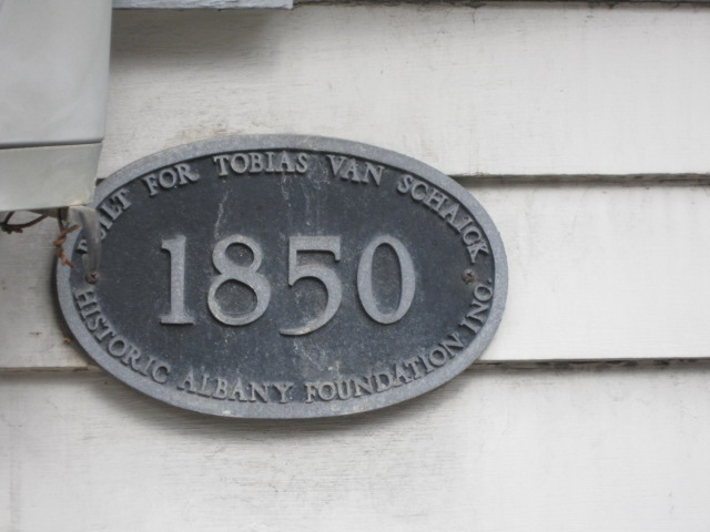 25 Dove St. plaque.JPG
