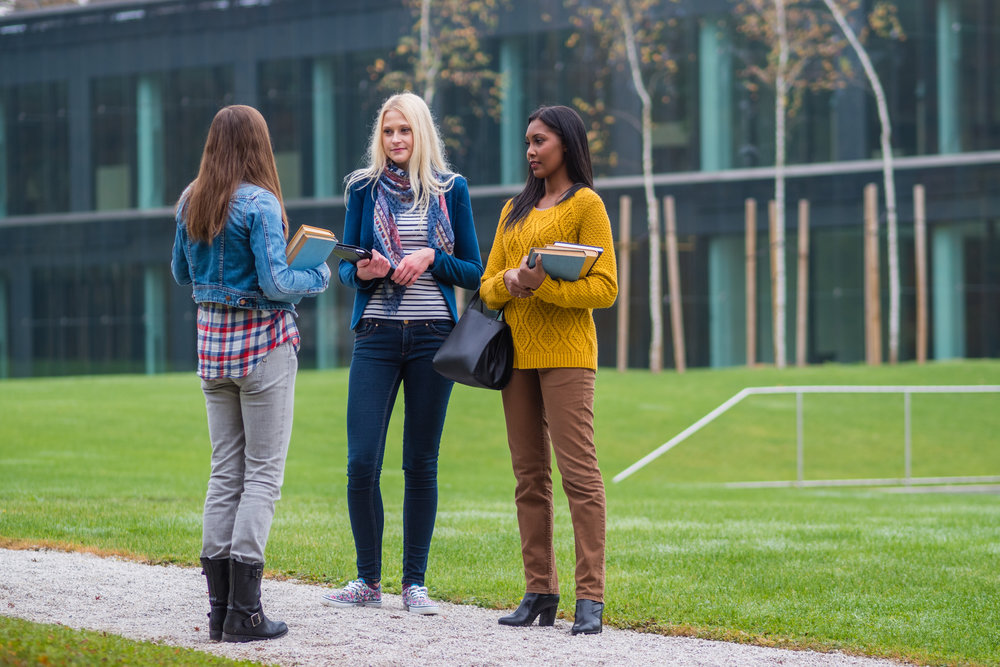 female_college_students.jpg