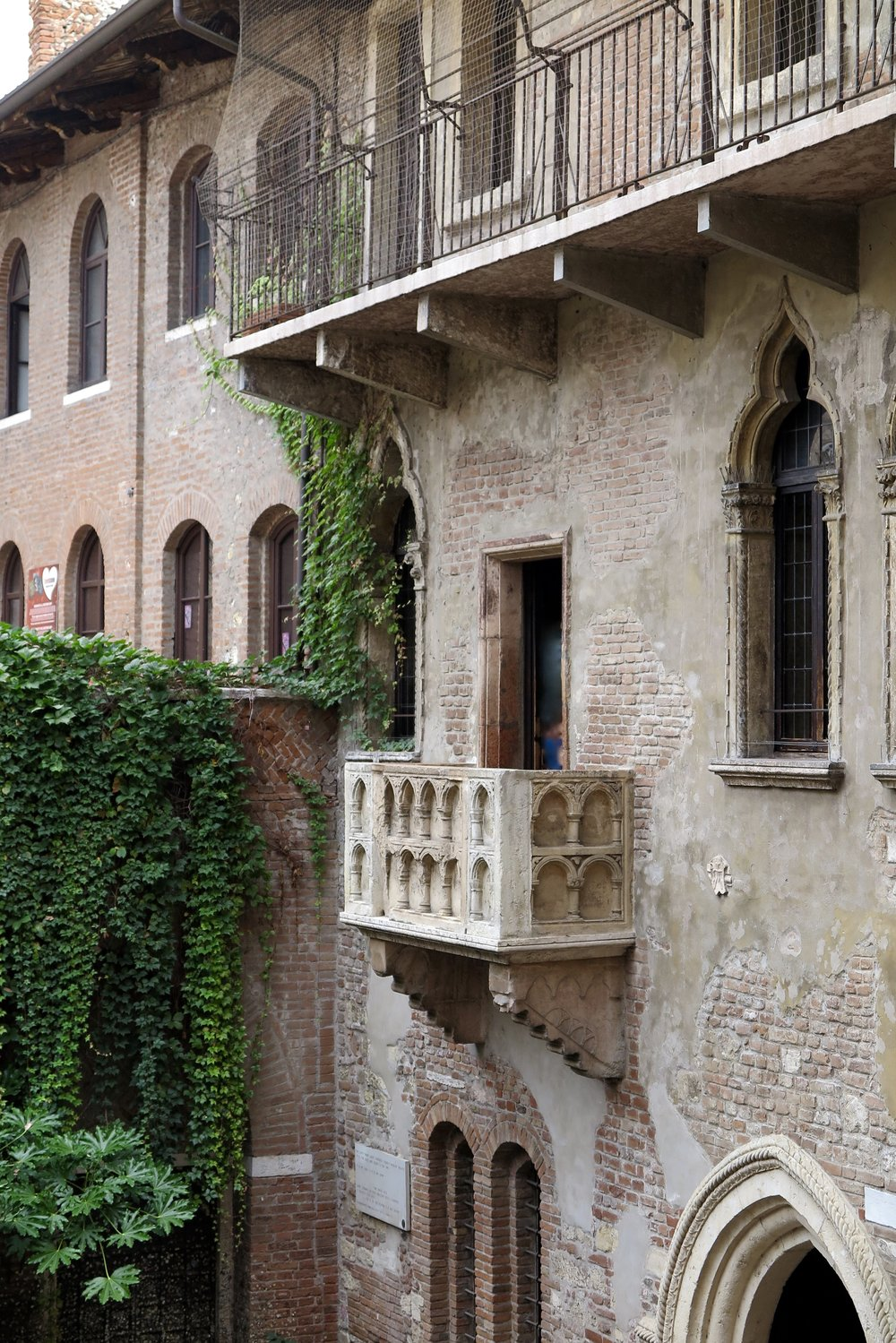 Samantha McNeil Blog - Giulietta's Balcony Verona Italy