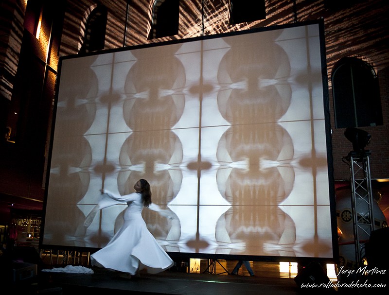 Psychopompós , interactive pattern installation with dance, 2010