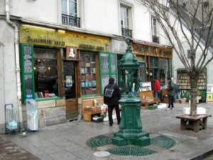 Shakespeare & Co. - by John Hurd / Creative Commons