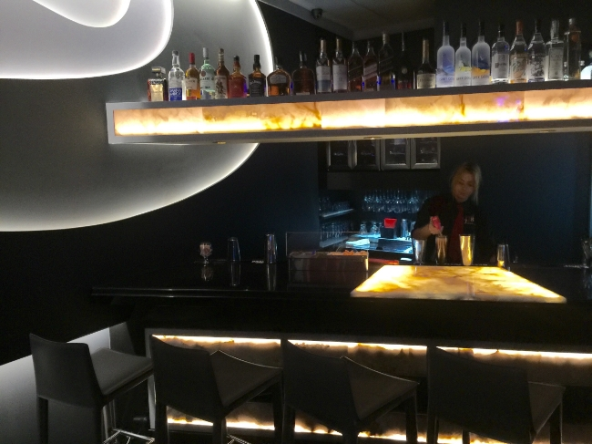 Restaurant Designer LED Onyx Bar