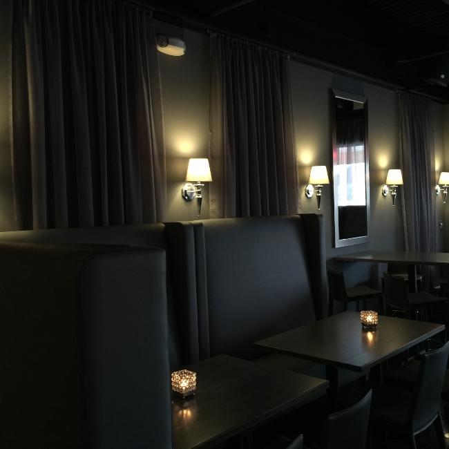 Restaurant Designer Banquette Wall