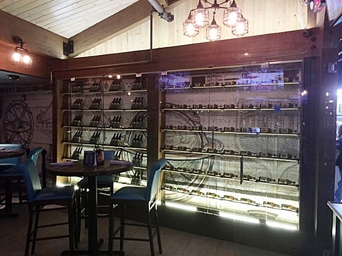 Restaurant Designer Bar Front