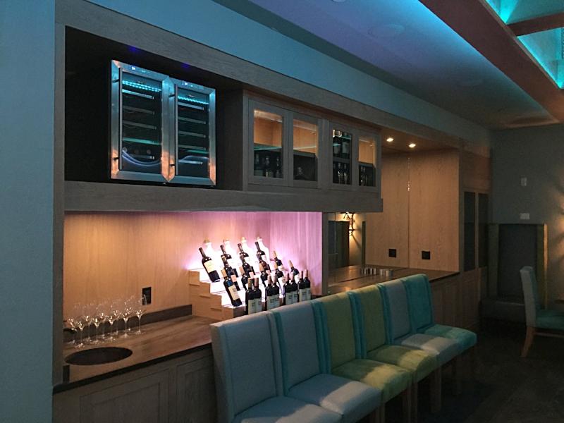 Cuzins VIP Room