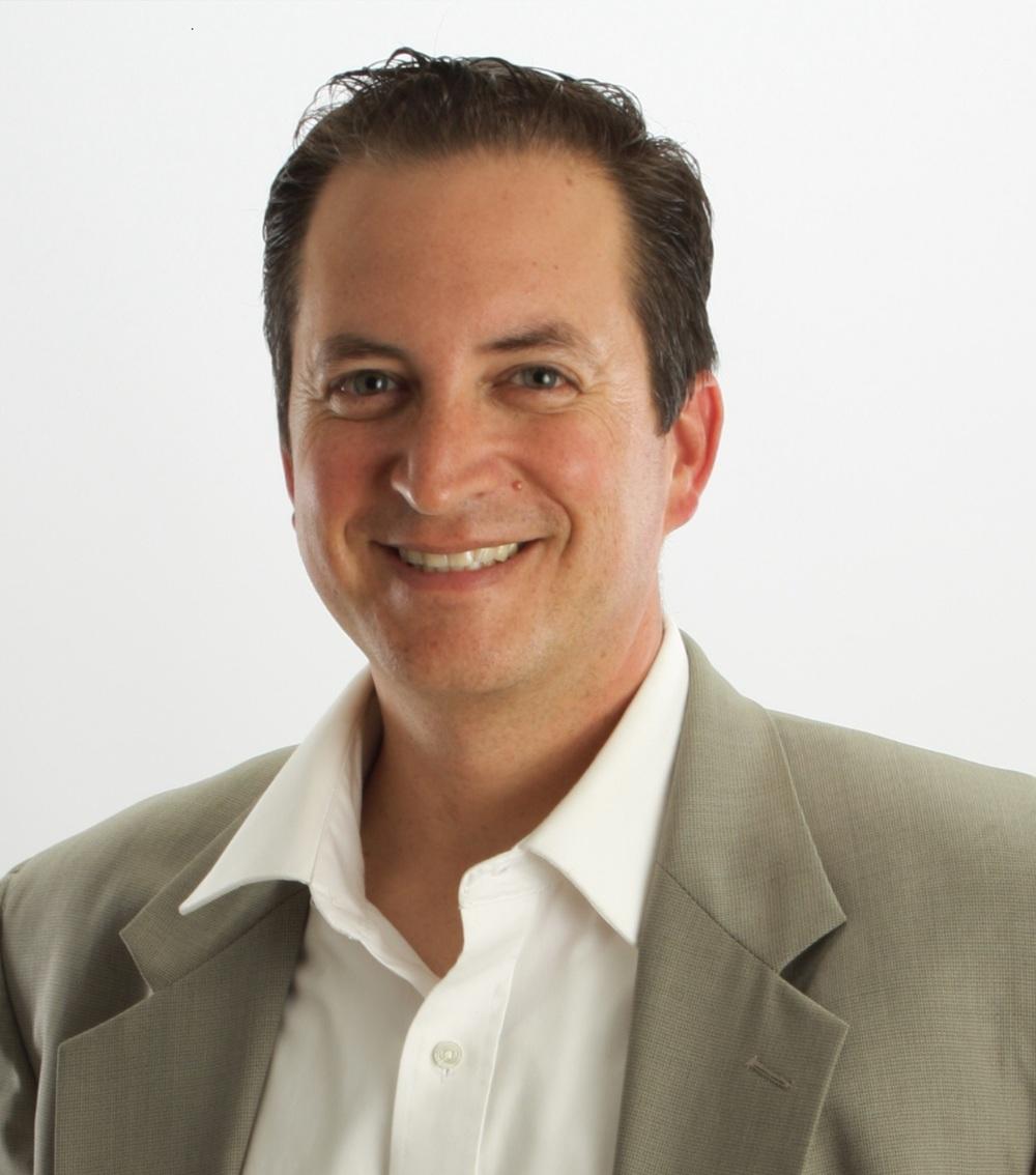 Victor Gaxiola, Hearsay Social