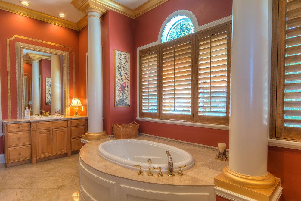 11 - Master Bath.jpg