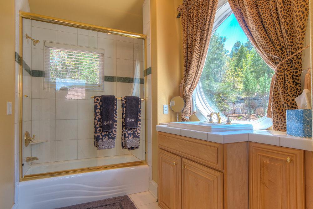 22 - Guest Bath.jpg