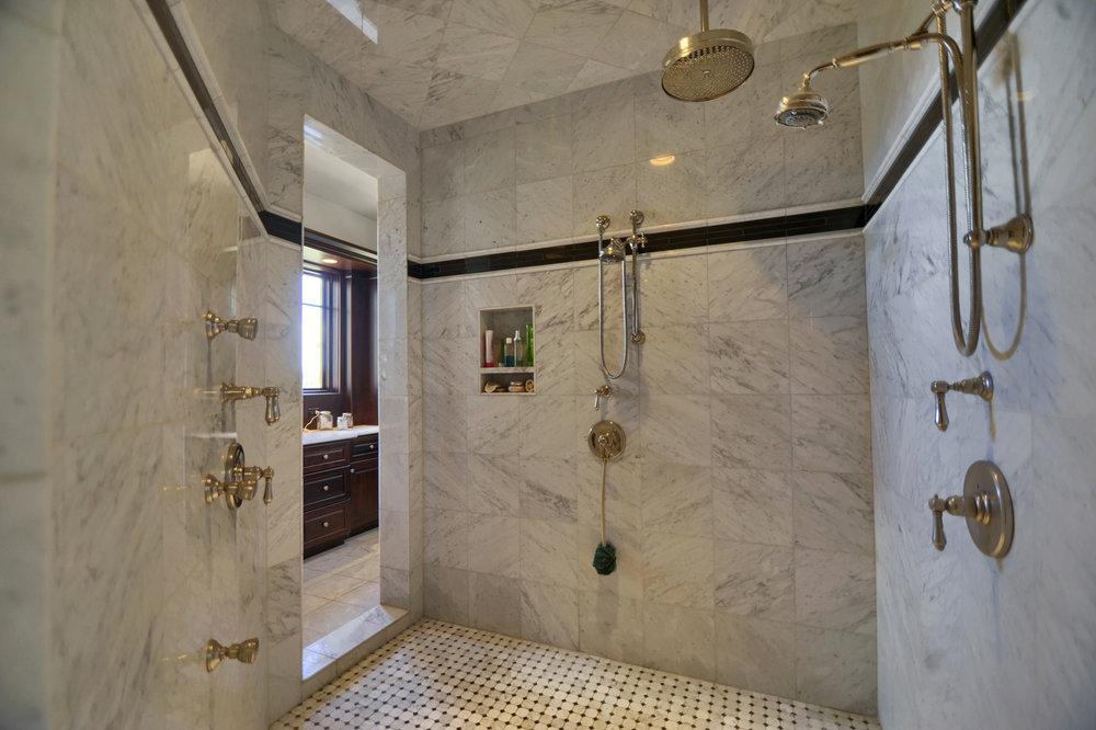 20 - Huge master shower.jpg