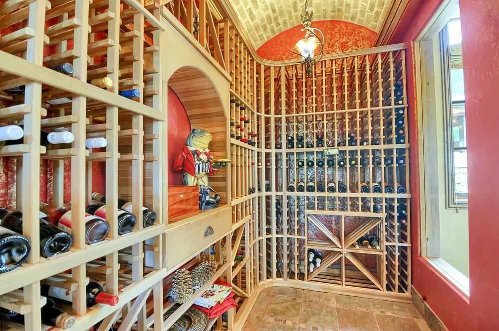 11 - Wine Room.jpg