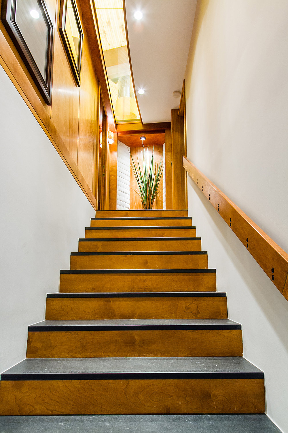 1338988_East-Staircase_high.jpg