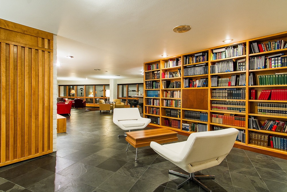 1340123_Library_high.jpg