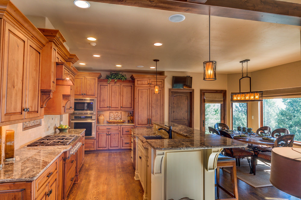 14 - Fabulous Kitchen with Casual Dining.jpg