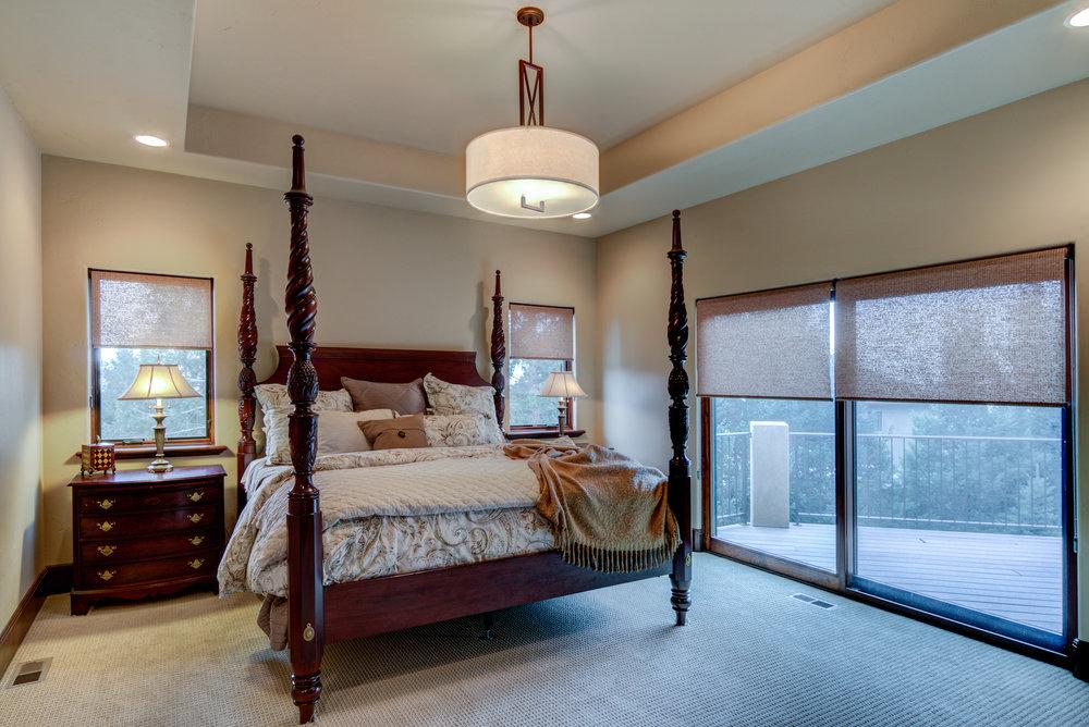 18.5 - Master Bedroom.jpg