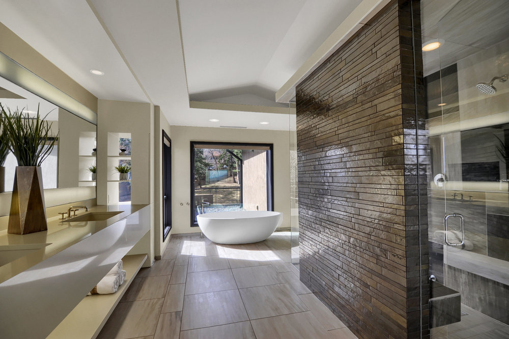 19-Master Bathroom.jpg