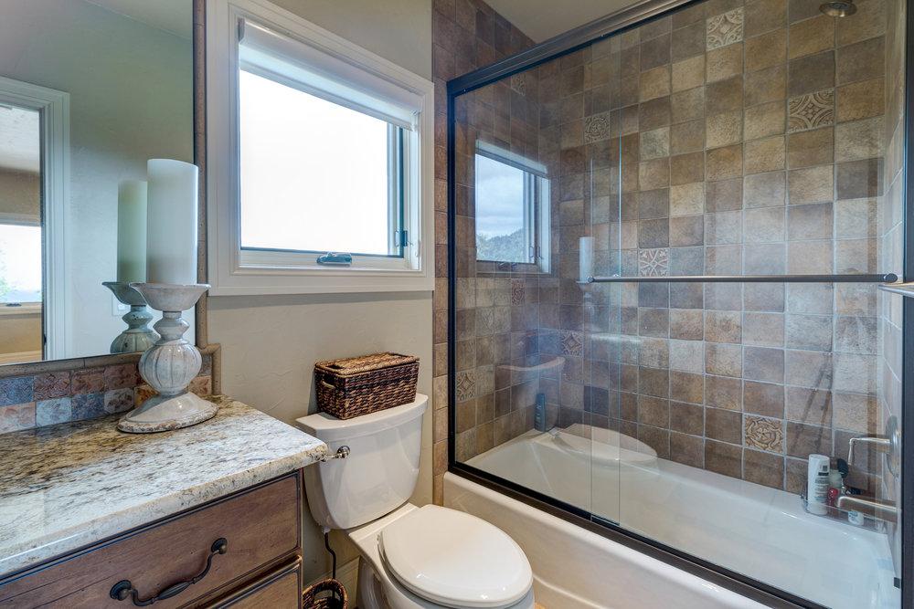 15-Guest Bathroom.jpg
