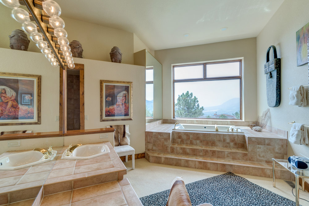 24-5pc Master Bathroom.jpg