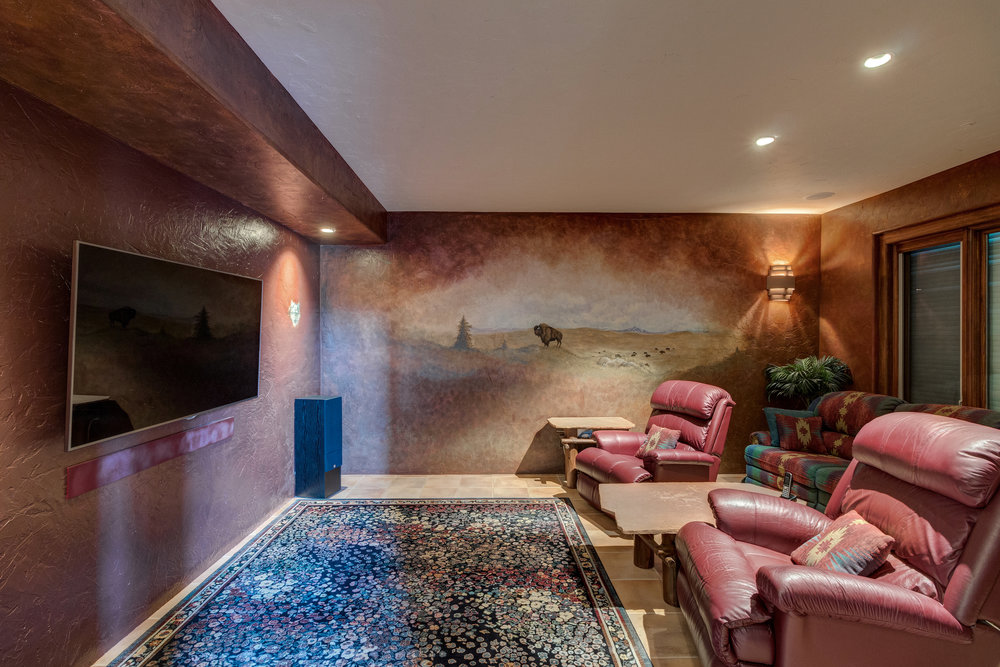 20-Theater or 3rd bedroom.jpg