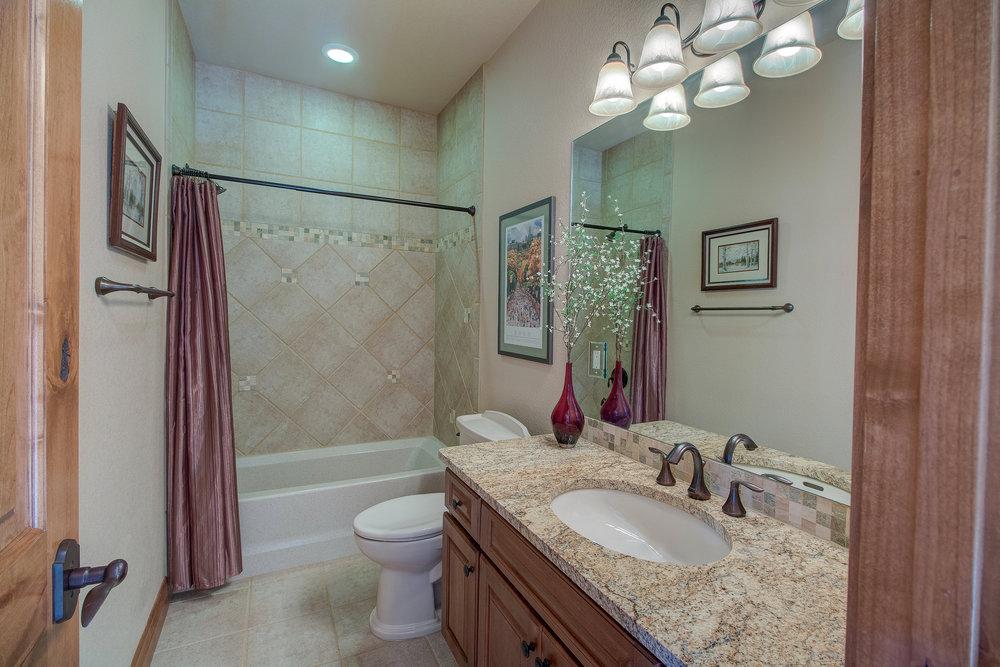 28-Guest Bathroom.jpg