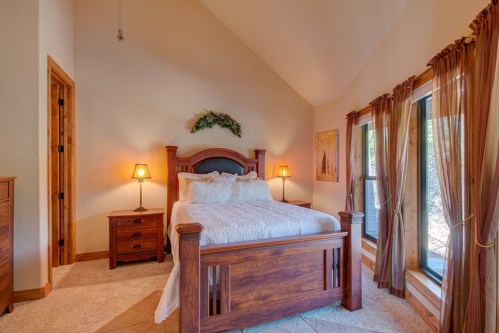 29-Guest BD with Walk in Closet and Private Bath.jpg