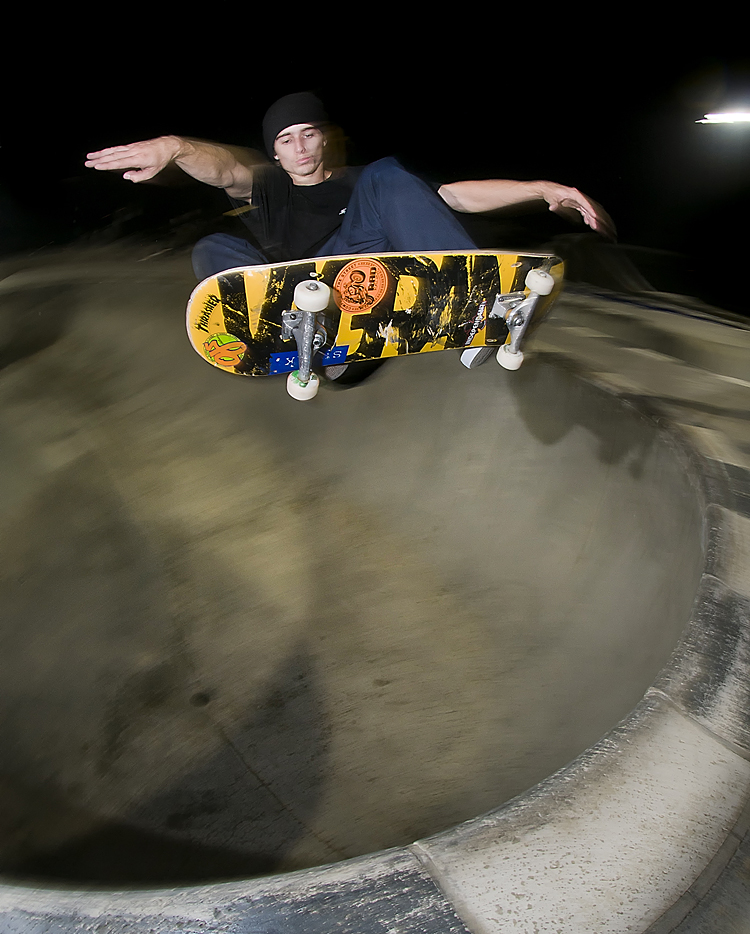 with the crew on fumes we couldn't pass up a session at (apps turf) madera skatepark! Hill, fs ollie
