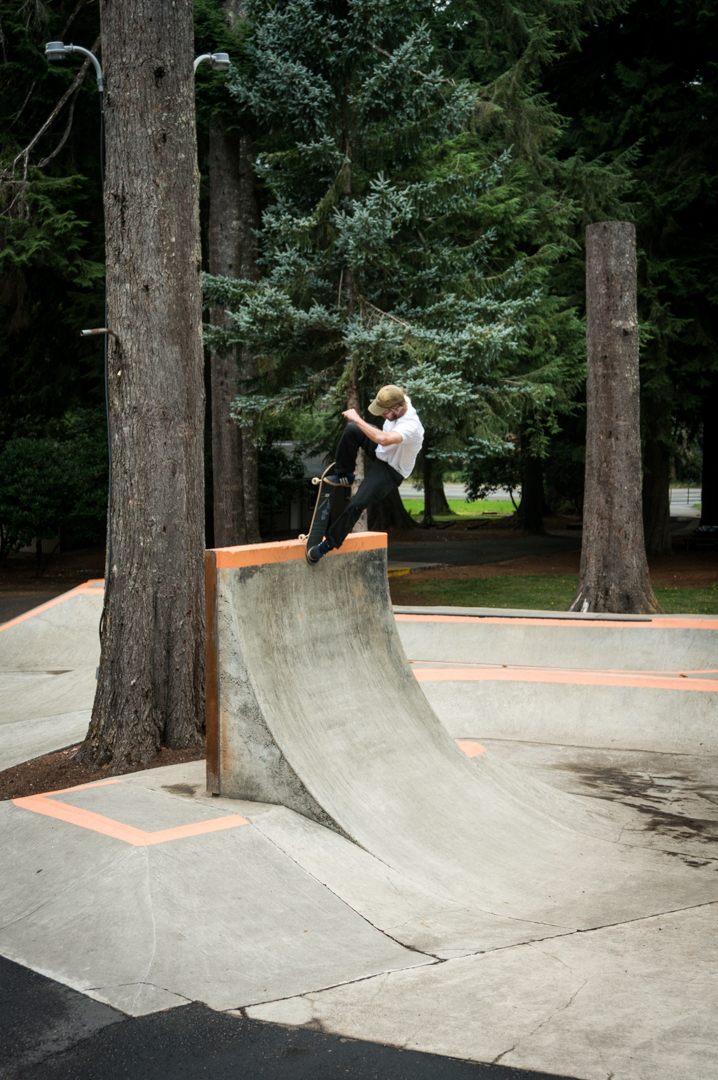 Here's me getting blunted on my nose in the trees of Windell's skate camp. Pretty good spur-of-the-moment piss stop on the side of the road en route to Portland if I don't say so myself. -
