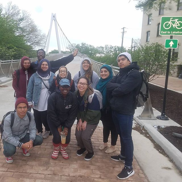 UIC Heritage Garden Interns checking out Roots and Routes starting at 35th and Cottage Grove and ending at the Field Museum. A day filled with exploration and hiking! Stay tuned for our next adventure! Look out for updates on our website at heritagegarden.uic.edu  #intern #heritage #garden #fieldmuseum #hiking #adventure #rootsandroutes #diversity #socialjustice #environmentaljustice
