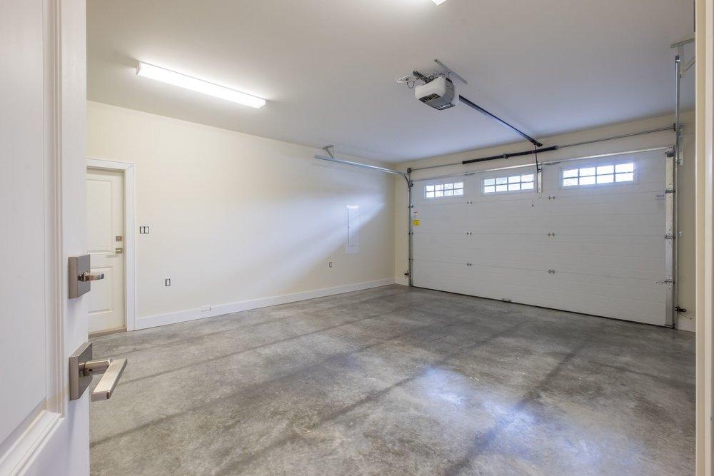 607_garage.JPG