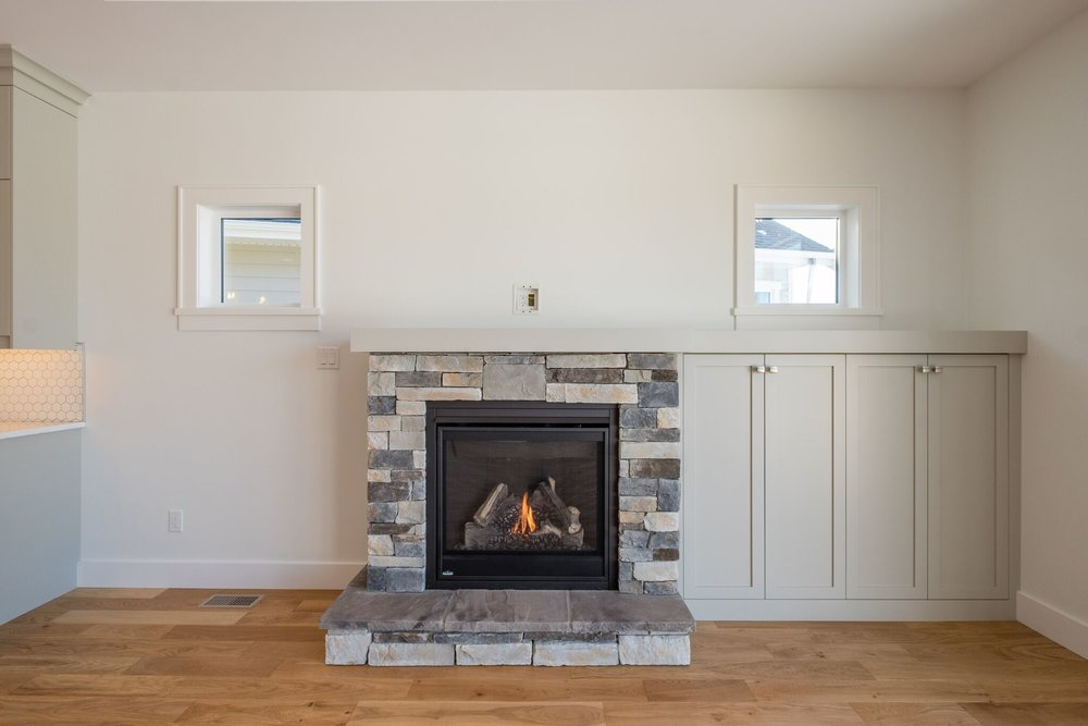 615_living_fireplace.jpeg